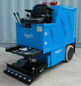 Floor removal machine capable of removing large amounts of Vinyl flooring in a clean, safe and fast manner. This unit is battery powered so it is safe to go into any environment